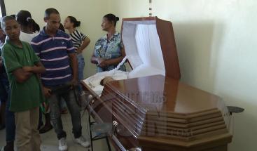 Hombre asesina tres miembros de su familia y luego se quita la vida tras discusión por herencia