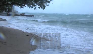 Ante el paso del huracán María se reportan fuertes ráfagas y aumento de oleaje en Río San Juan