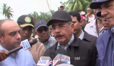 Presidente Medina promete identificar un terreno para reubicar afectados por María en Nagua