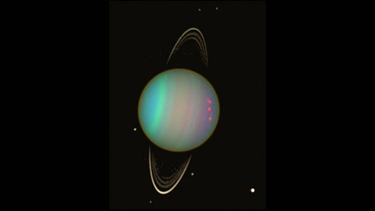 Un satélite deforma un anillo de Urano (y ahora los científicos esperan un fuerte choque