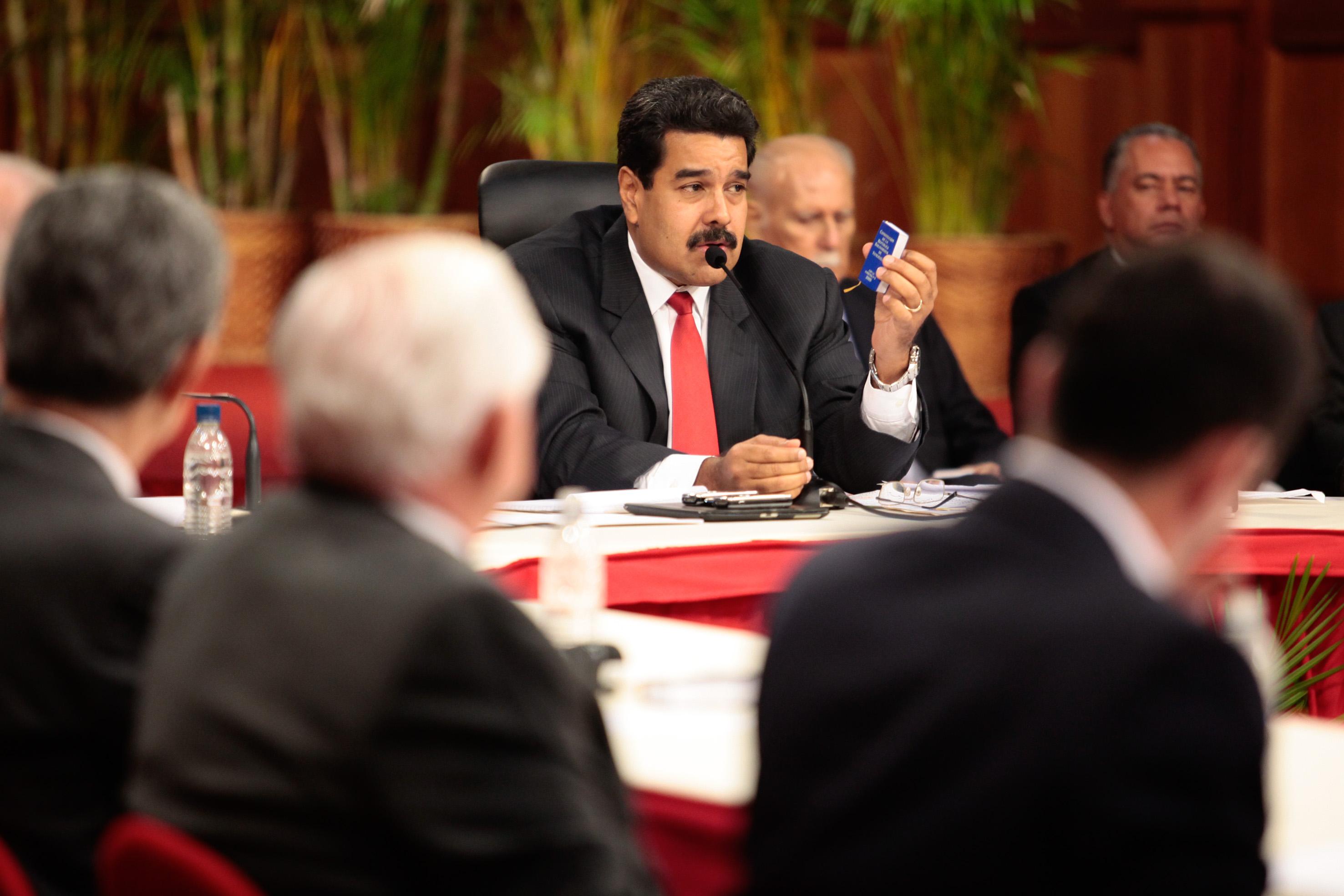 Maduro dice que Leopoldo López asistió a reuniones de