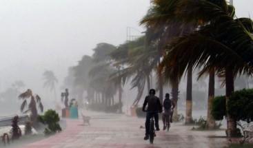 Huracán categoría 1 José podría degradarse el viernes a tormenta tropical