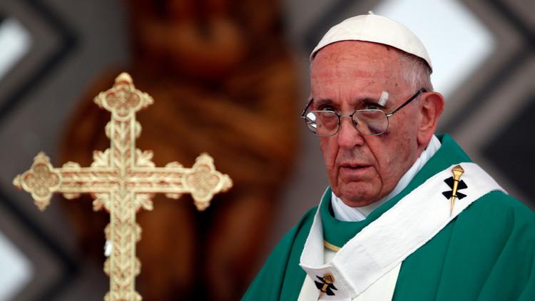 Un sacerdote recorre media Colombia para conocer al papa Francisco y recibe una puñalada en Bogotá