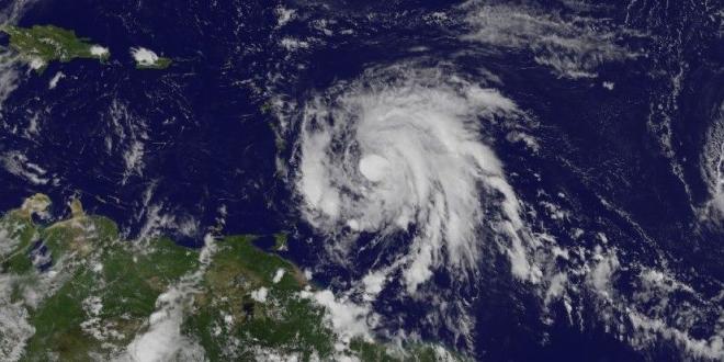 Sube nivel de alerta en puertos de P.Rico e Islas Vírgenes por huracán María