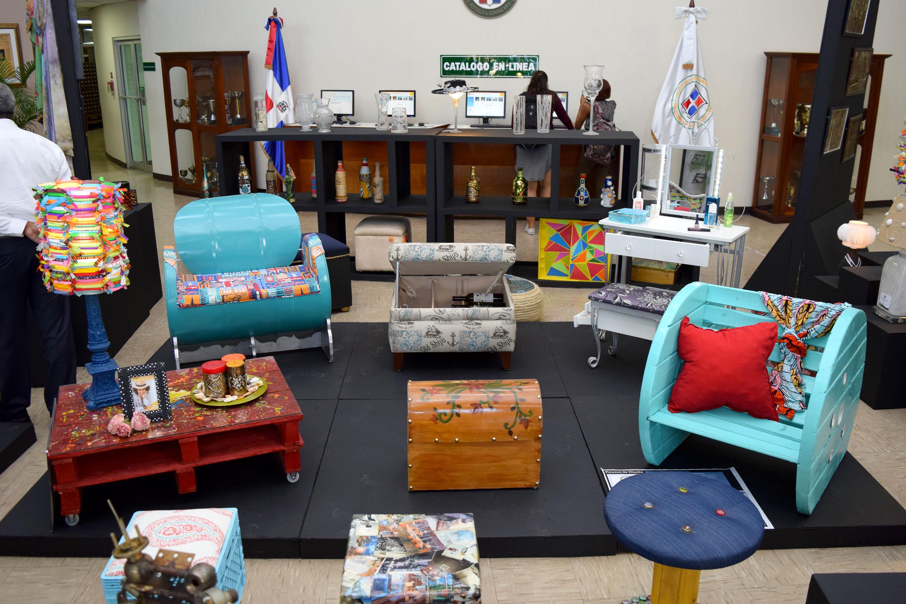 La UNPHU inaugura exposición Arte que Reutiliza y Recicla
