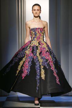 La firma Óscar de la Renta deleita a Nueva York con vestidos de delicado tul