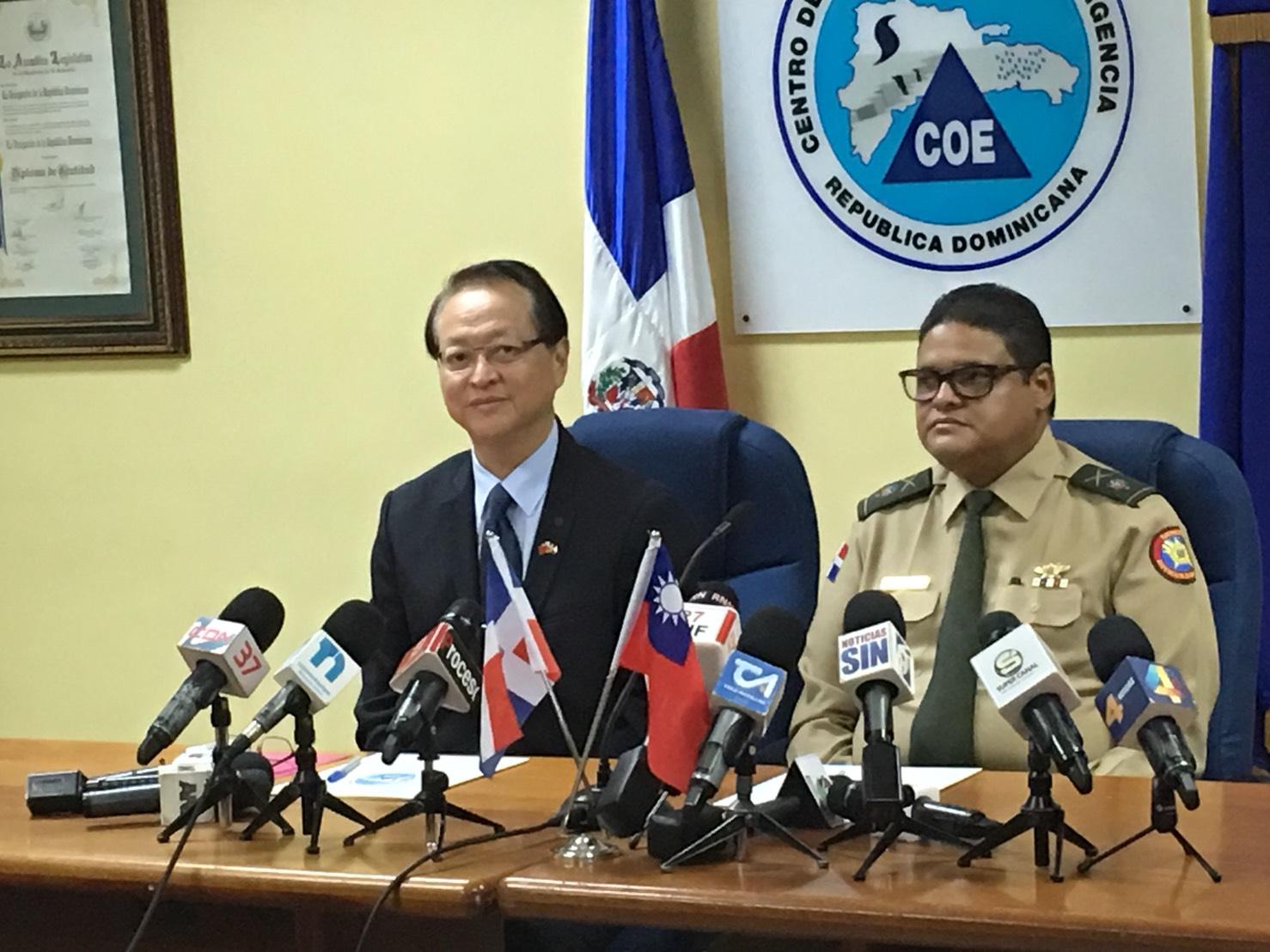 Taiwán dona 100 mil dólares al COE para ayudar a afectados por inundaciones provocadas por Irma y María