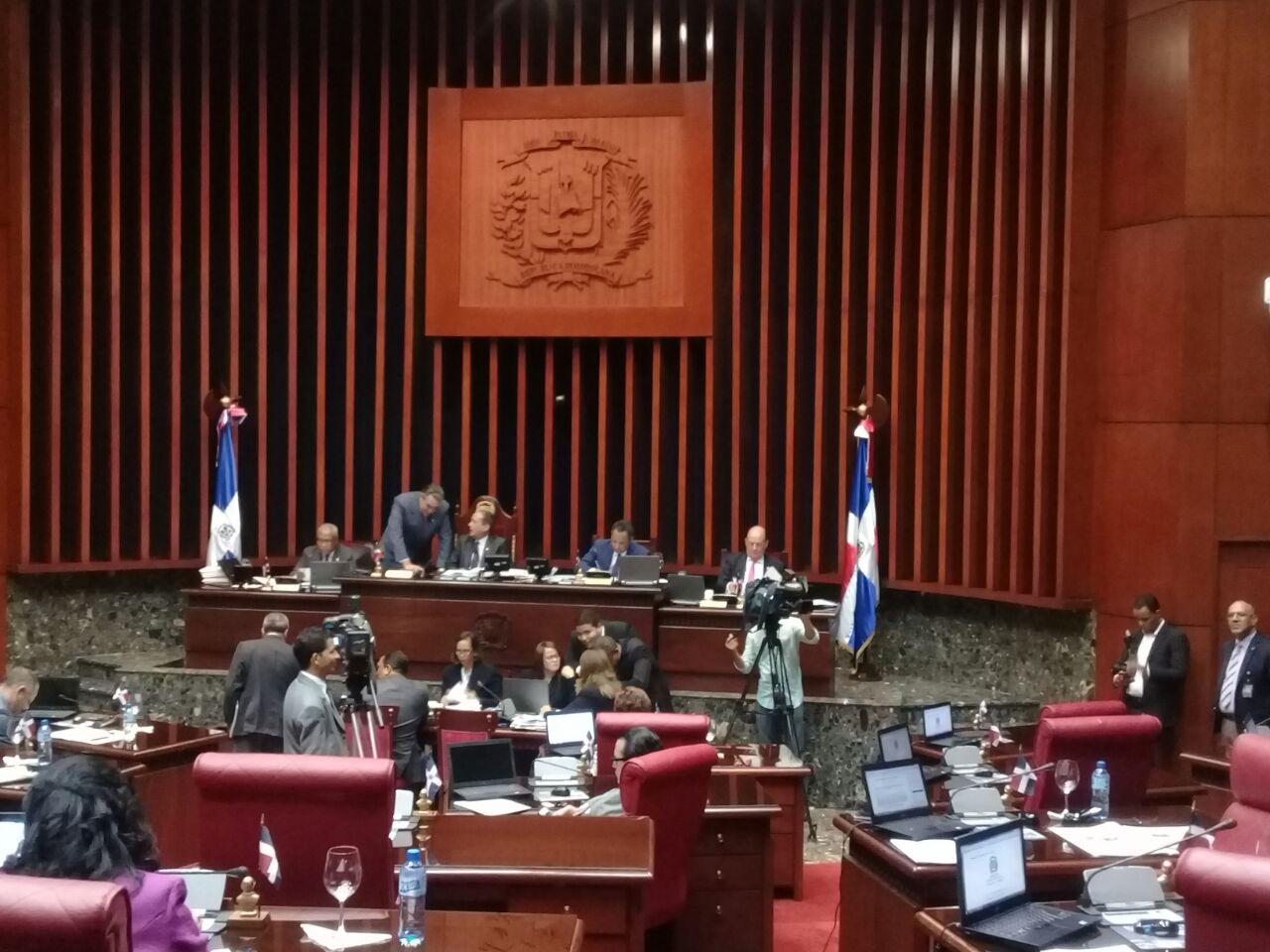Senado designa comisión que conocerá proyecto de ley de las telecomunicaciones