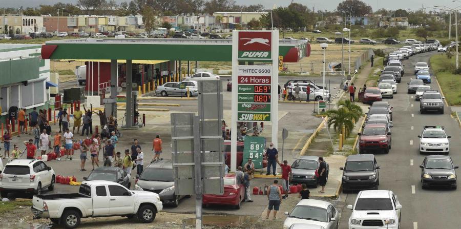 Prohíben la limitación de venta de gasolina en PR tras el paso de huracán María