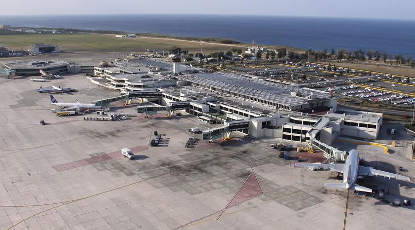 Se normalizan actividades en aeropuertos tras paso del huracán María