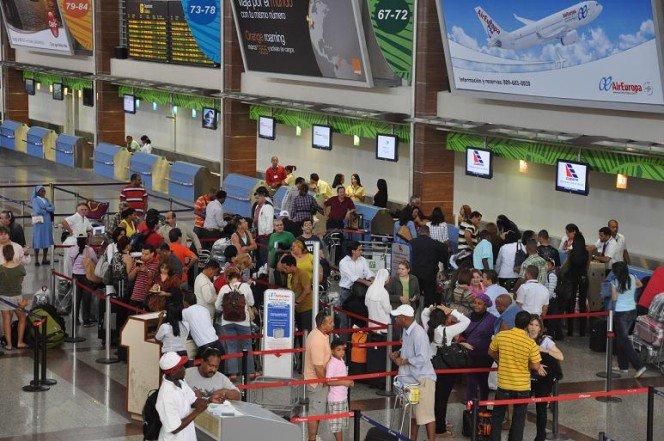 Cerca de 14 millones de pasajeros se movilizarán por aeropuertos de RD, según presidente de JAC