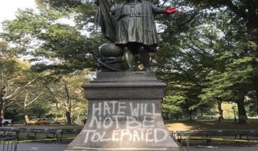 La estatua de Cristóbal Colón en Central Park amanece con pintadas