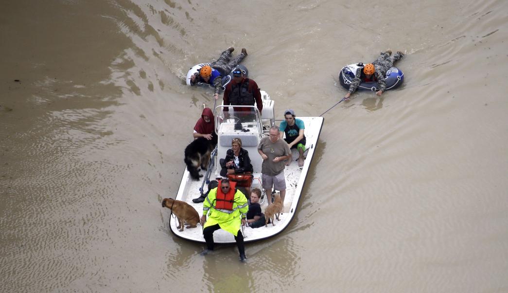 Aumenta a 46 cifra de muertos por Harvey una semana después de llegar a Texas