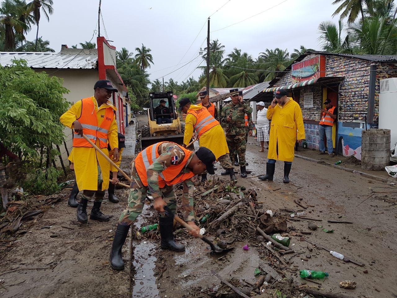 MOPC dispone extender asistencia a zonas afectadas por Irma