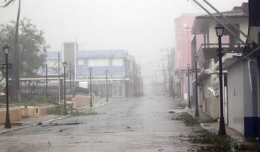 Suben a 16 los muertos en P.Rico por paso de María y siguen problemas aéreos