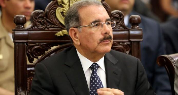 Presidente inaugura tres carreteras y una escuela en Santiago Rodríguez