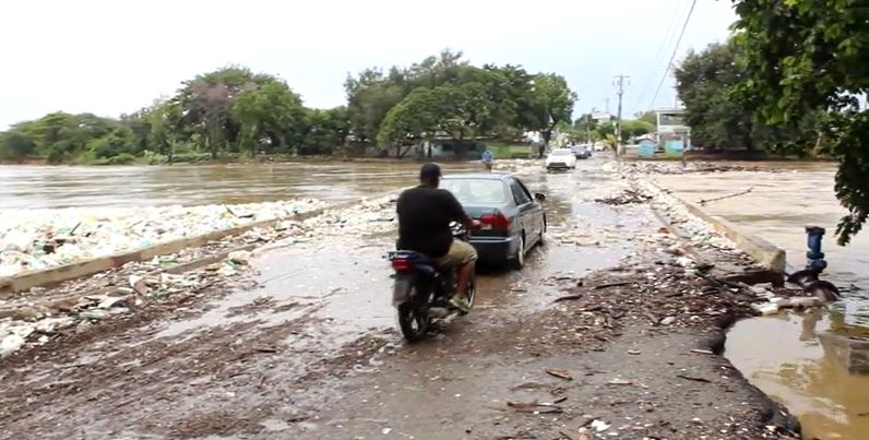 Al menos 15 familias fueron evacuadas por crecida del rió Yaque del Norte