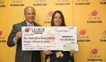 Empleada privada de La Vega gana loto 21 millones