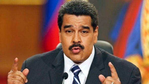 Maduro dice oposición abandonó diálogo tras peleas internas por candidaturas