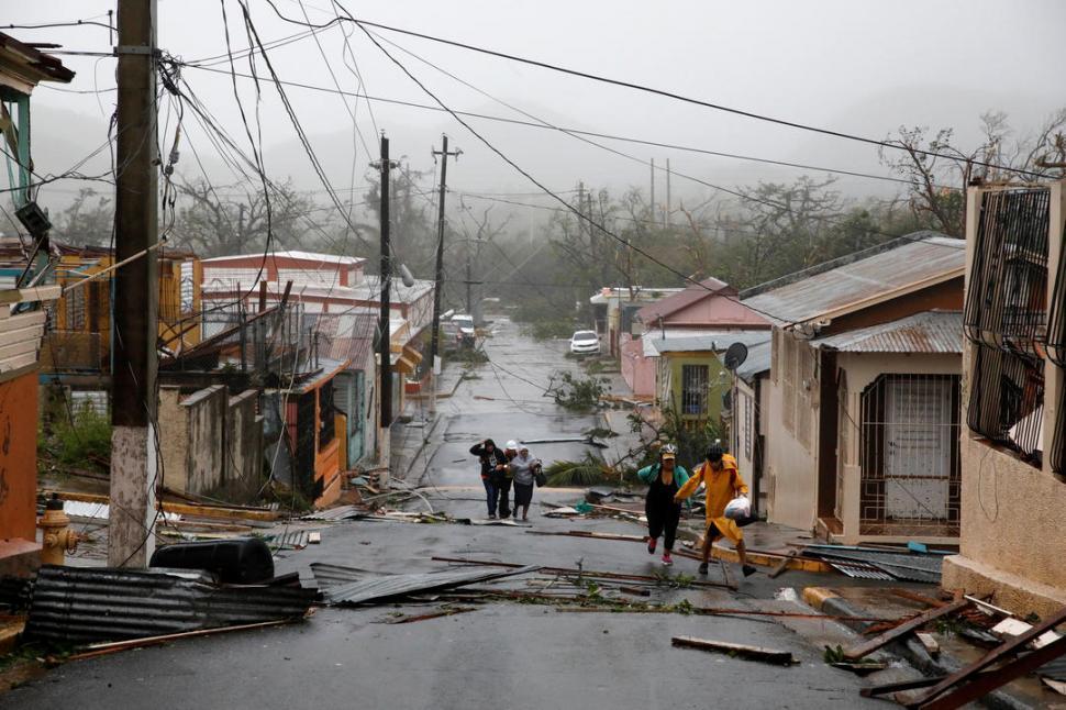 El servicio eléctrico en Puerto Rico se restaurará en 4 meses por paso María