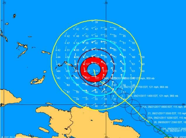 Huracán María próximo a las islas Turcas y  Caicos
