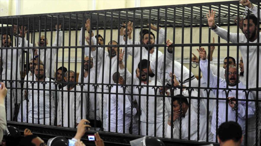 Confirman sentencia de muerte a 8 egipcios acusados de asaltar una comisaría