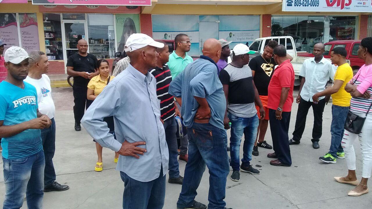 Empleados de empresa Lajun reclaman prestaciones laborales