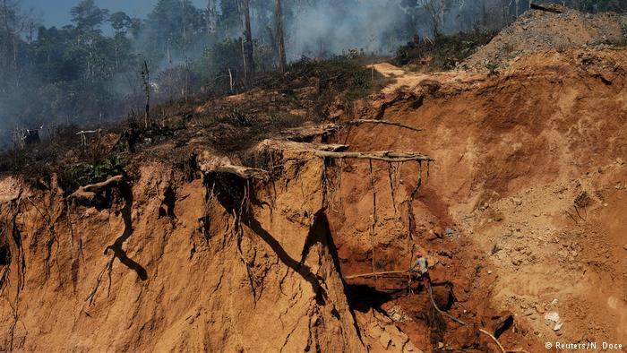 Seis muertos y 11 heridos deja alud de tierra en mina de Colombia