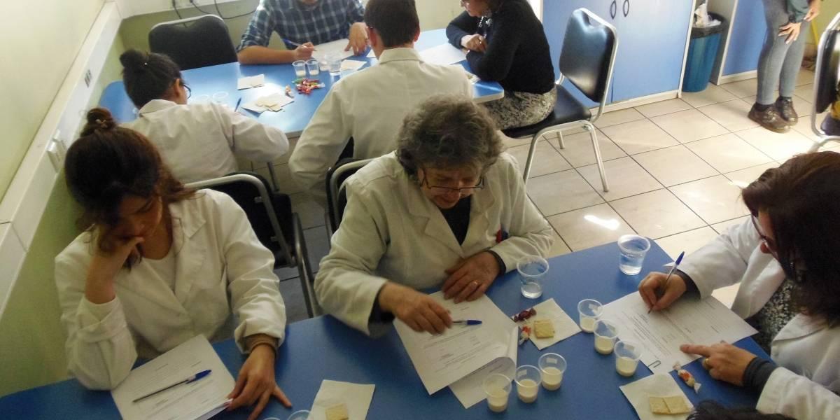 Científicos chilenos logran leche sin lactosa con microorganismos antárticos