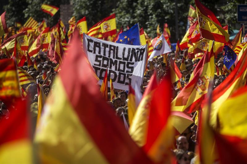 Ocho ganadores del Nobel de la Paz piden mediación en Cataluña