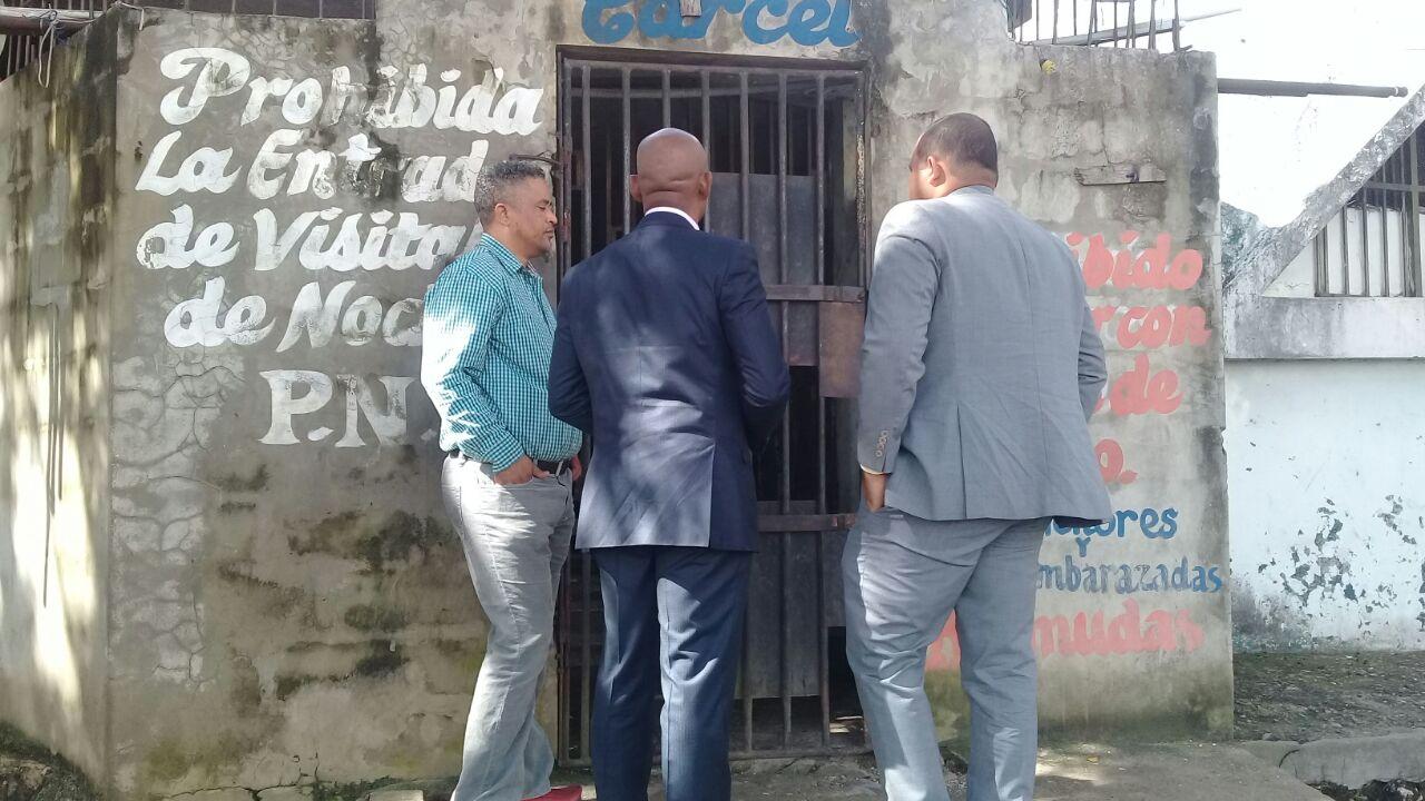 Miembros del PLD visitan a Manuel Rivas a la cárcel de San Luis