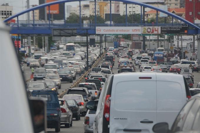 Aumento de los combustibles genera malestar entre conductores del transporte público