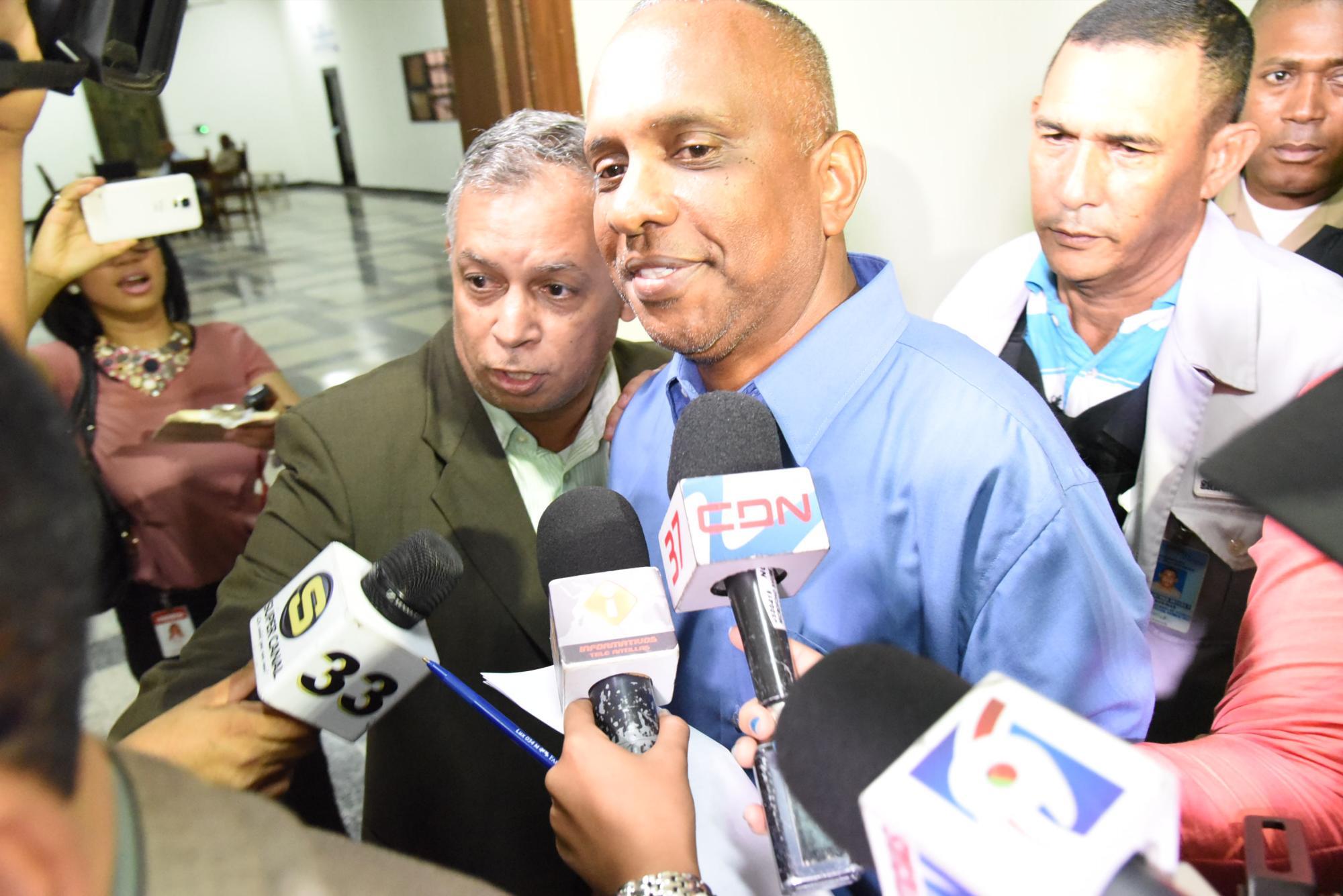Ejecutivos de brasileña Embraer niegan haber sobornado a coronel dominicano