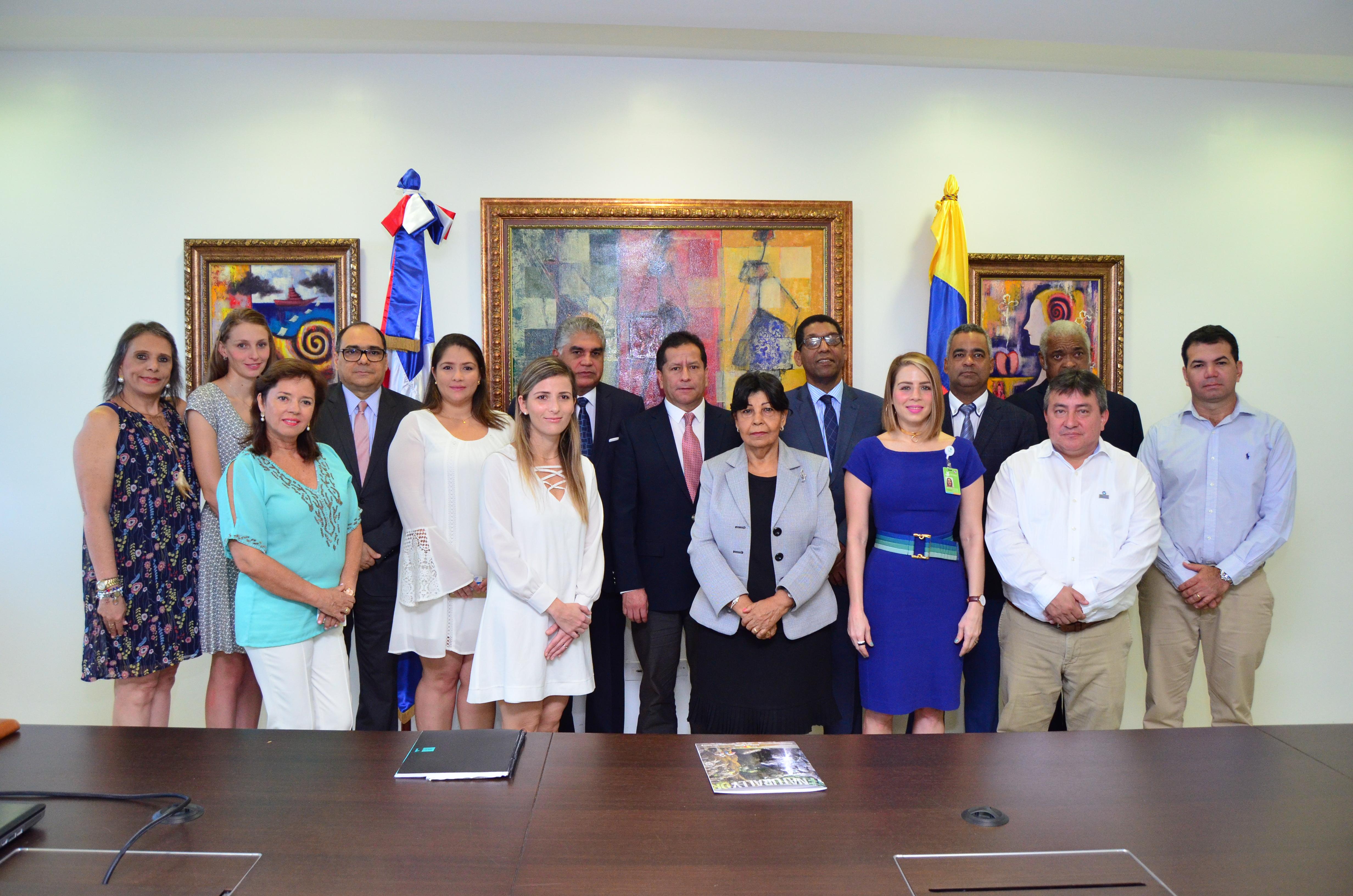 Dominicana asiste a Colombia en éxito Turismo de sol y playa