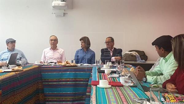ELN y FARC anuncian defensa de proceso de paz aunque con dudas y preocupación