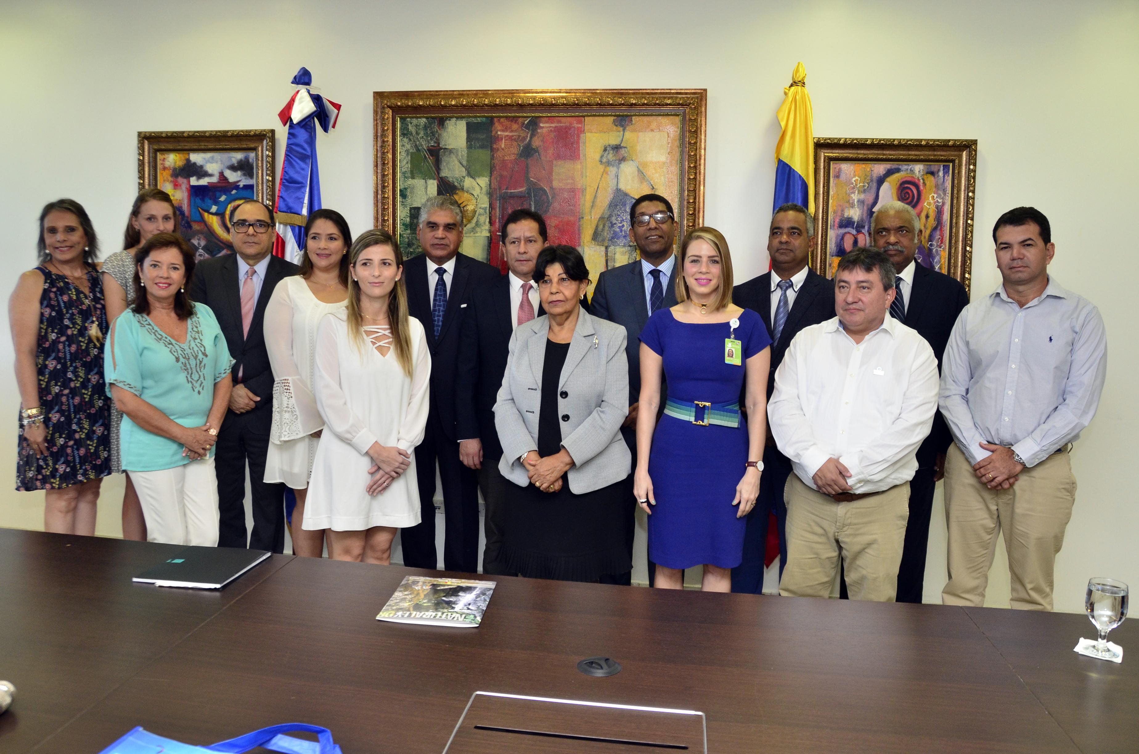 Empresarios colombianos visitan RD para conocer sector turístico dominicano
