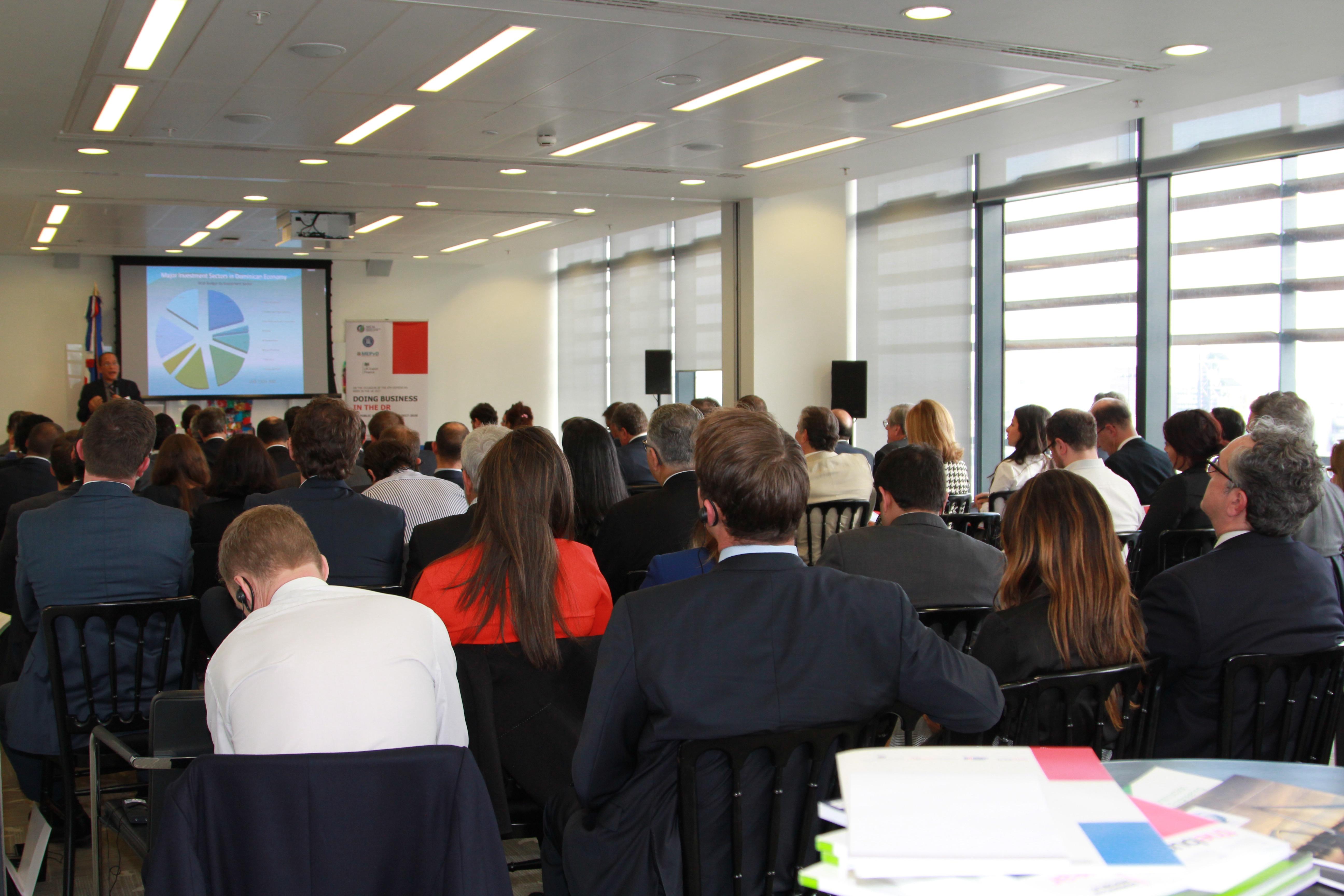 RD presenta en Londres proyectos prioritarios de inversión de infraestructura