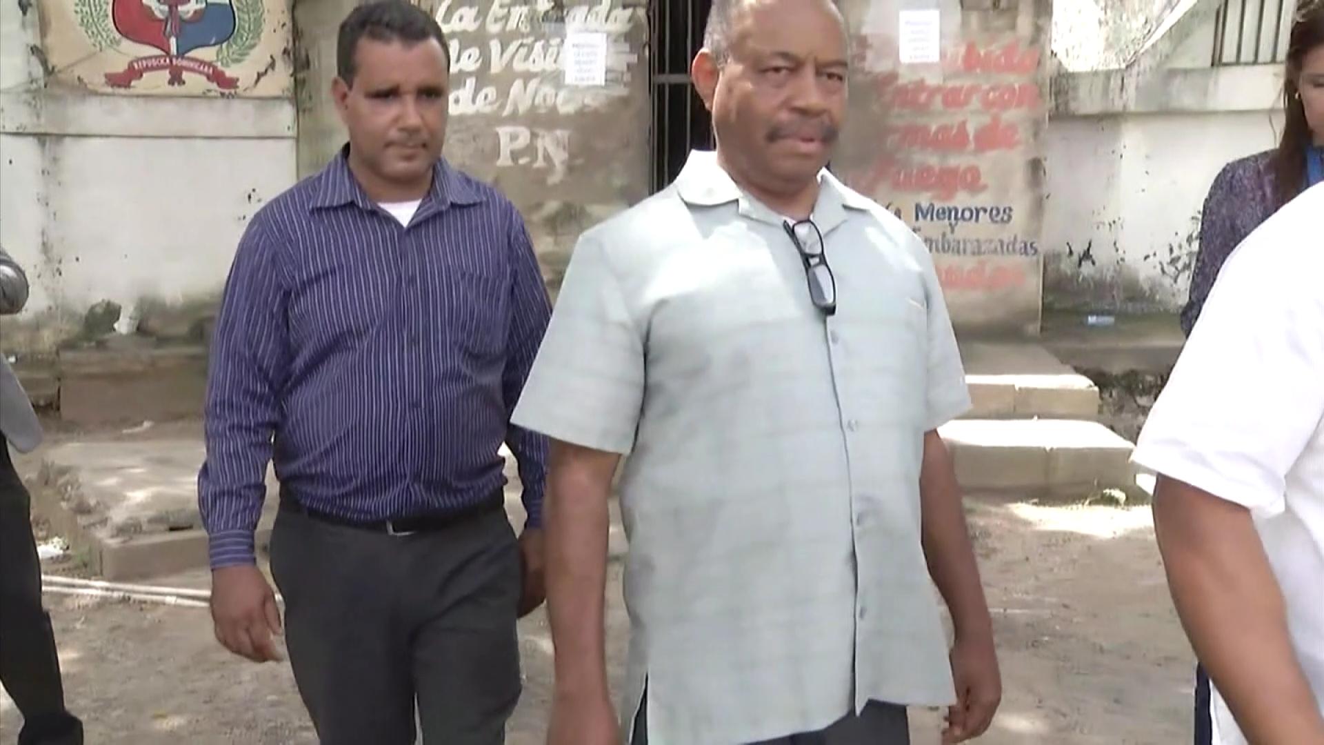 Presentación periódica a sacerdote acusado de maltrato físico a menores de edad