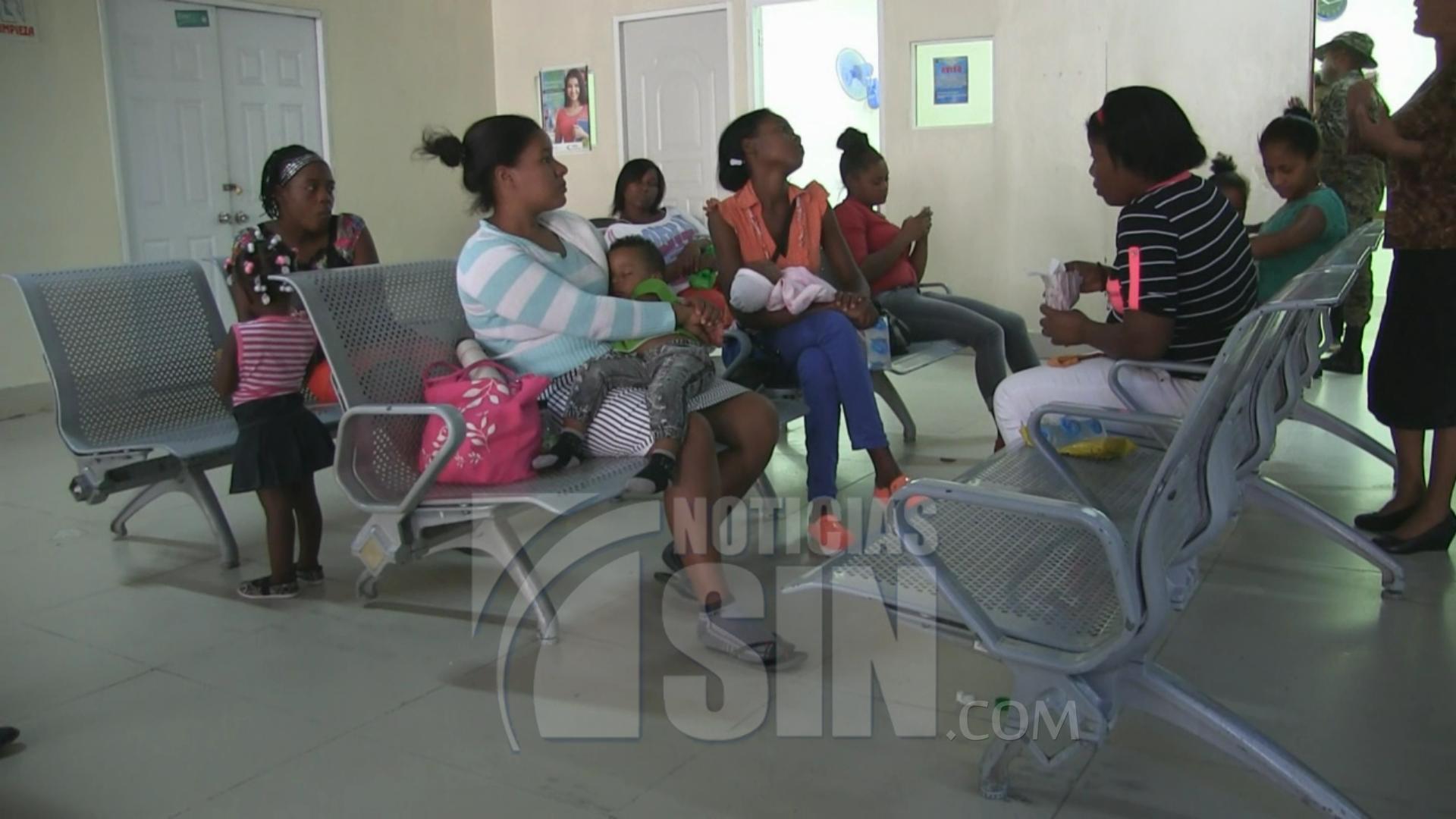 Huelga convocada por el CMD se cumple en hospitales de Azua