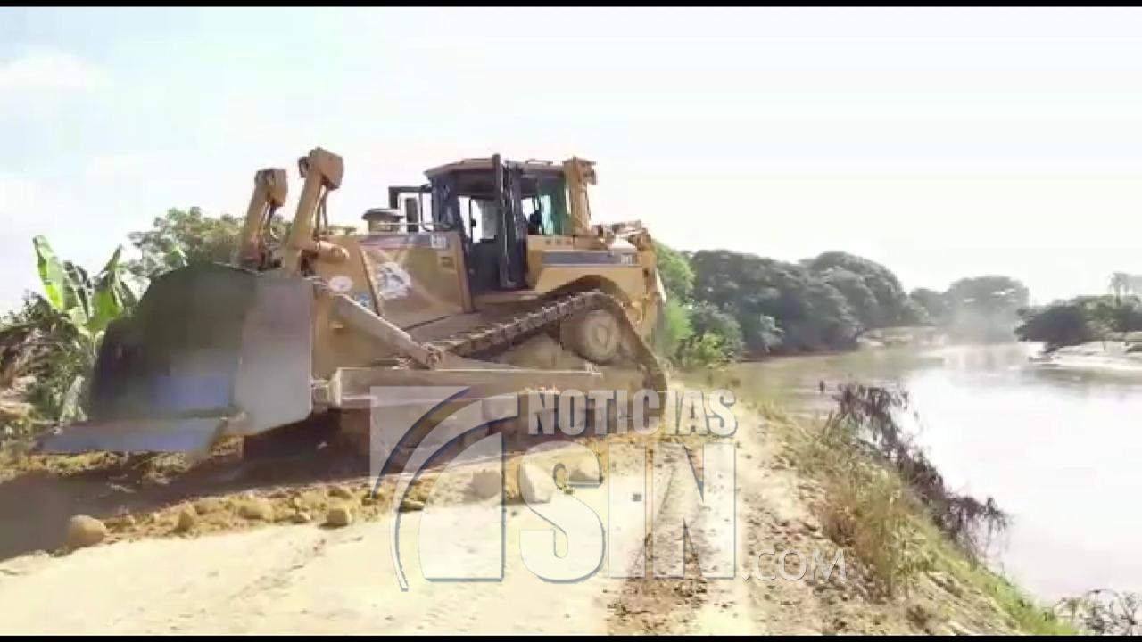 Construyen muros de contención en Rio Yaque del Norte para evitar desastres por inundaciones