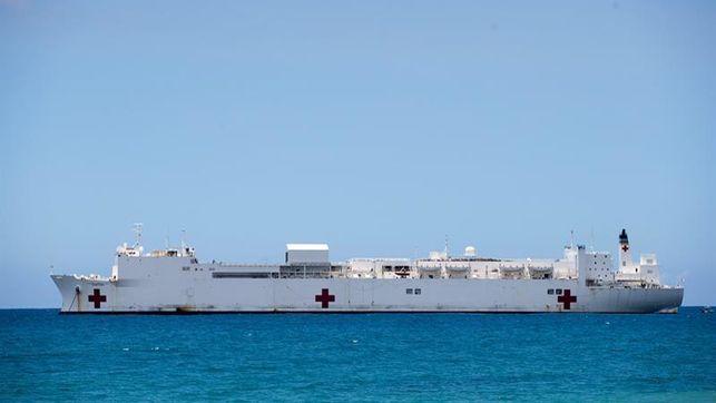 Llega a Puerto Rico barco hospital USNS Comfort para ayudar en tareas tras huracán