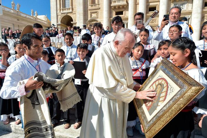 Papa Francisco pide a niños afectados por sismos que
