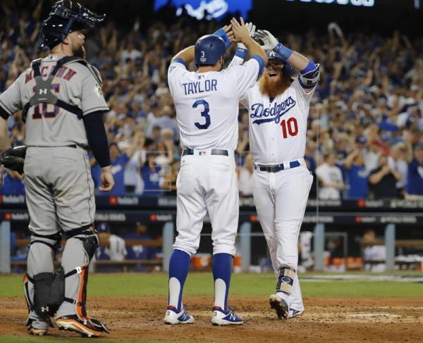 Kershaw luce solido y Dodgers toman ventana ante Astros en Serie Mundial