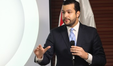Candidato a senador propone bono de apoyo universitario para estudiantes de centros privados
