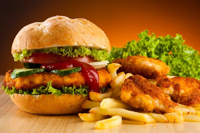 Los graves efectos de comer comida chatarra durante un día