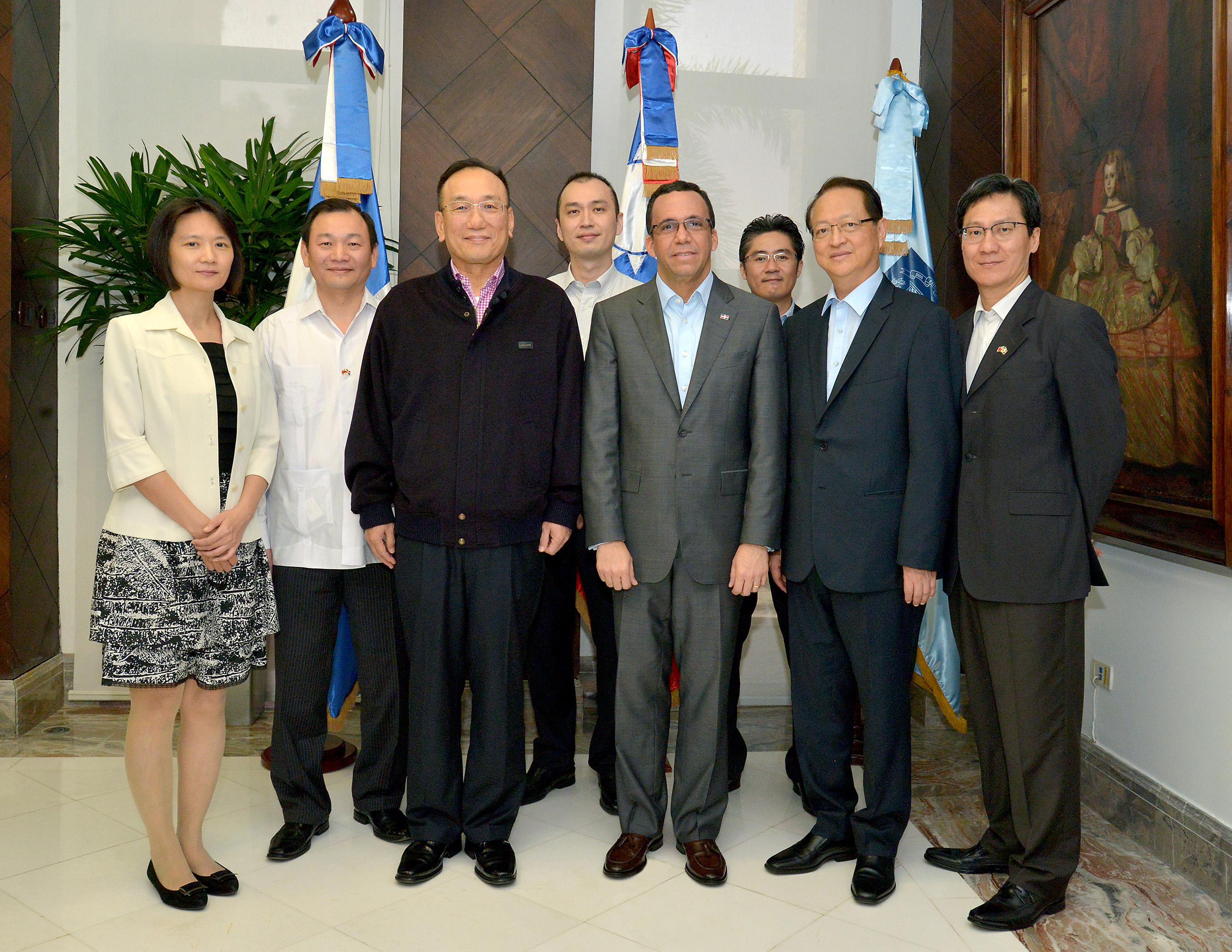 Educación coordina con vicecanciller de Taiwán proyectos de aulas móviles e intercambios estudiantiles