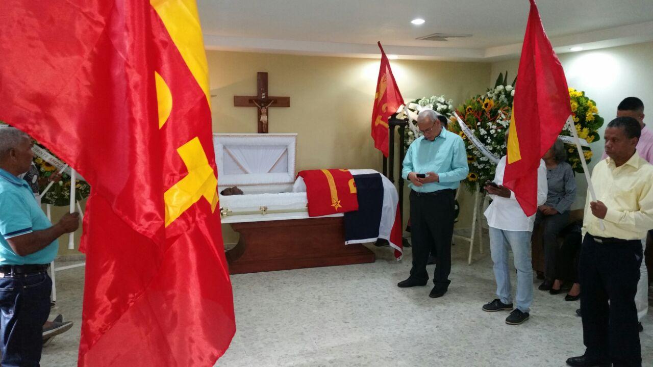Velan restos del dirigente de izquierda Jesús Adón