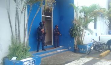 Trasladan al palacio de justicia de la provincia Santo Domingo a imputados por muerte de Yuniol Ramírez