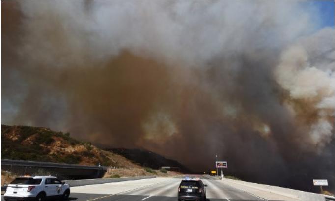 Devastadores fuegos en California mantienen en vilo a los afectados