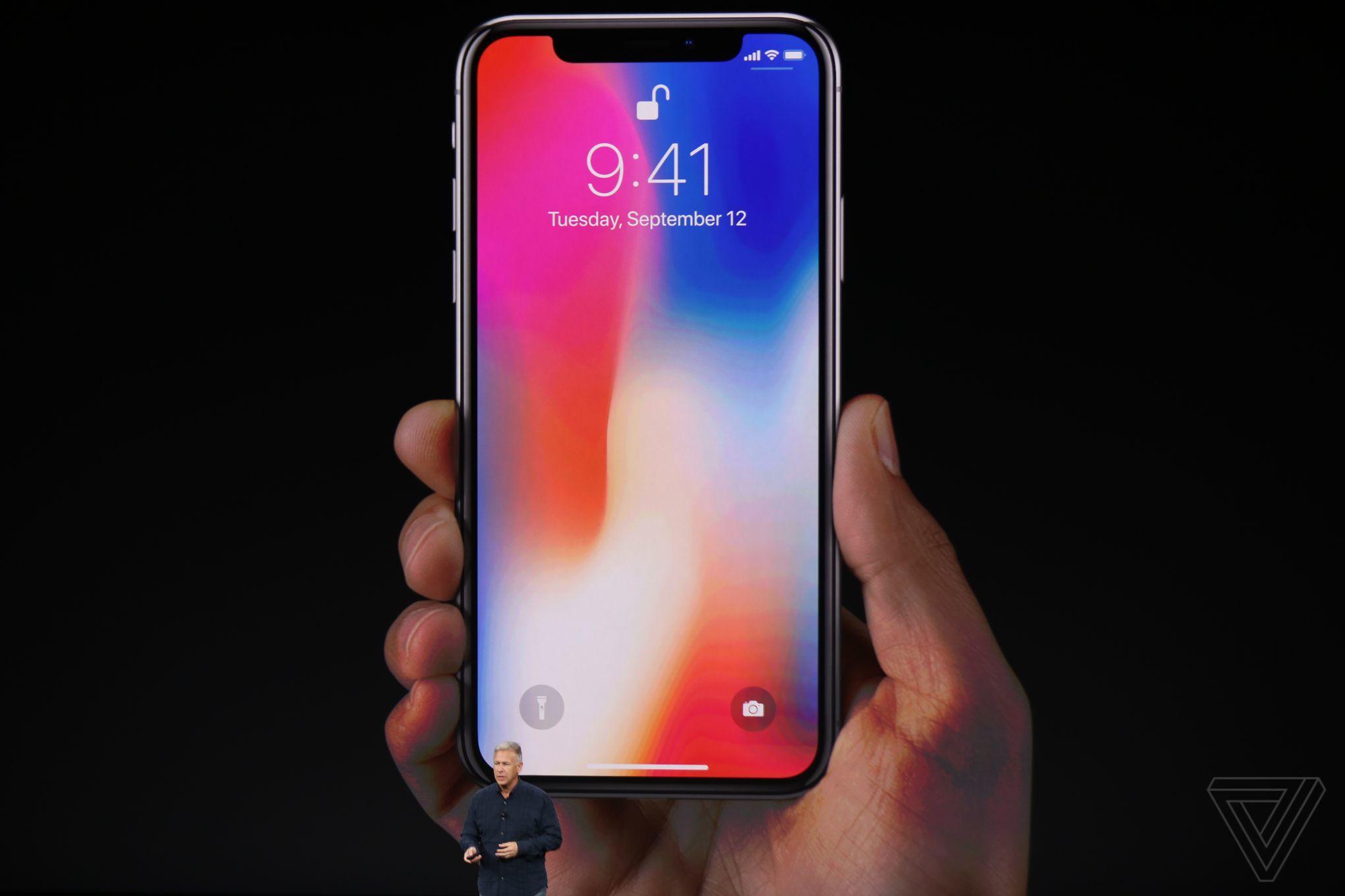 El iPhone X enciende la pasión de los fans de Apple en todo el mundo